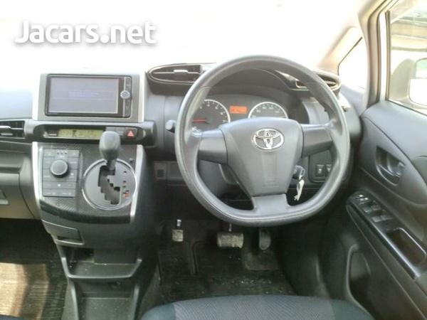 Toyota Wish 8,0L 2013-4