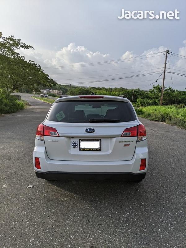 Subaru Outback 2,5L 2012-8