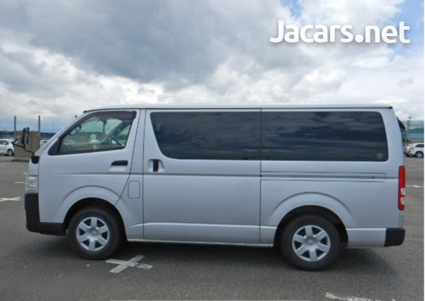2017 Toyota Hiace Bus-4