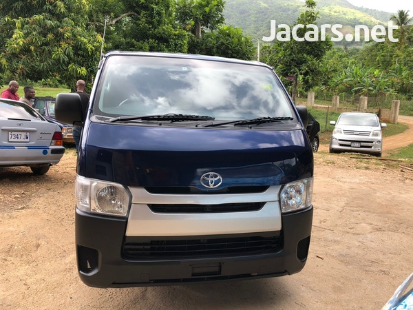Toyota Hiace 2,4L 2014-1