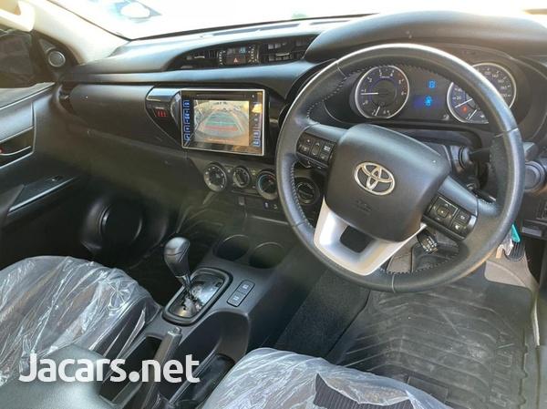 Toyota Hilux 2,8L 2017-9