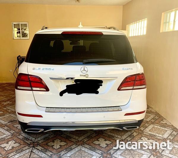 Mercedes-Benz GLE-Class 1,8L 2016-2