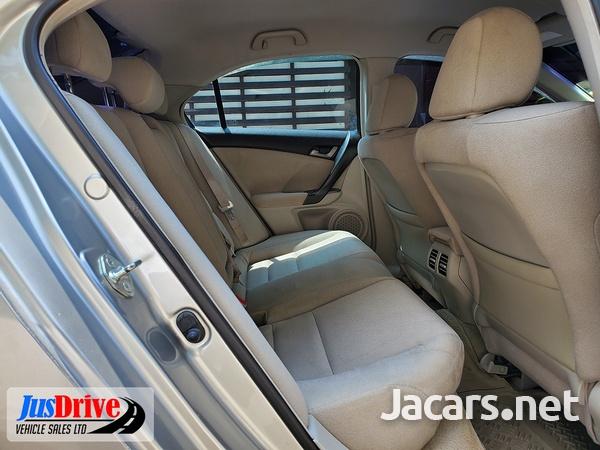 Honda Accord 2,3L 2010-8