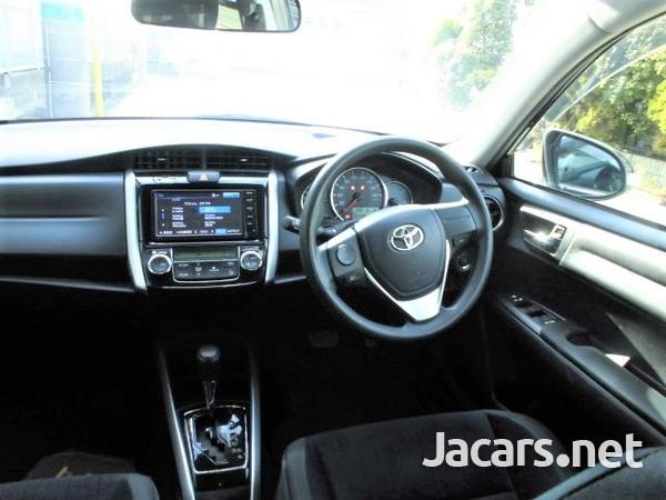 Toyota Fielder 1,5L 2015-12