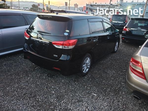 Toyota Wish 2,0L 2011-7