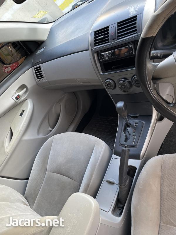 Toyota Corolla XLi 1,5L 2012-4