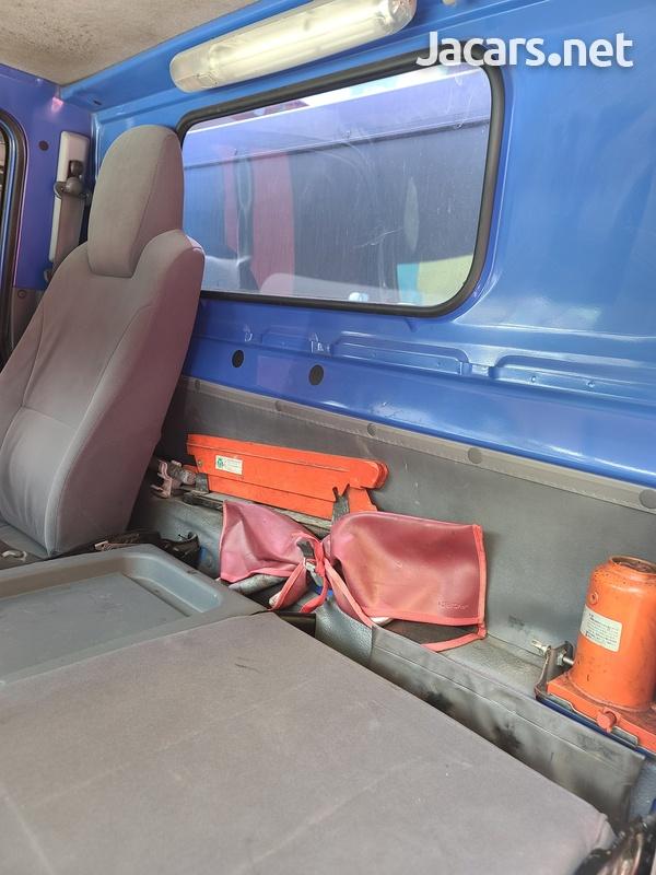 Isuzu Box Body Truck 3,5L 2012-16