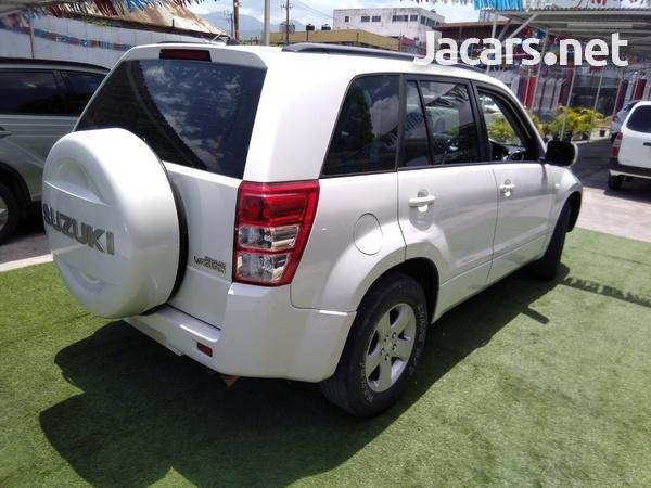 Suzuki Grand Vitara 2,0L 2013-8
