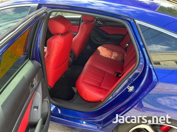 Honda Accord 2,0L 2020-5