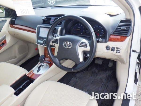 Toyota Premio 2,0L 2014-6