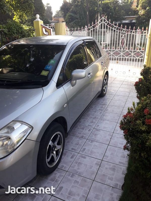Nissan Tiida 1,6L 2007-7