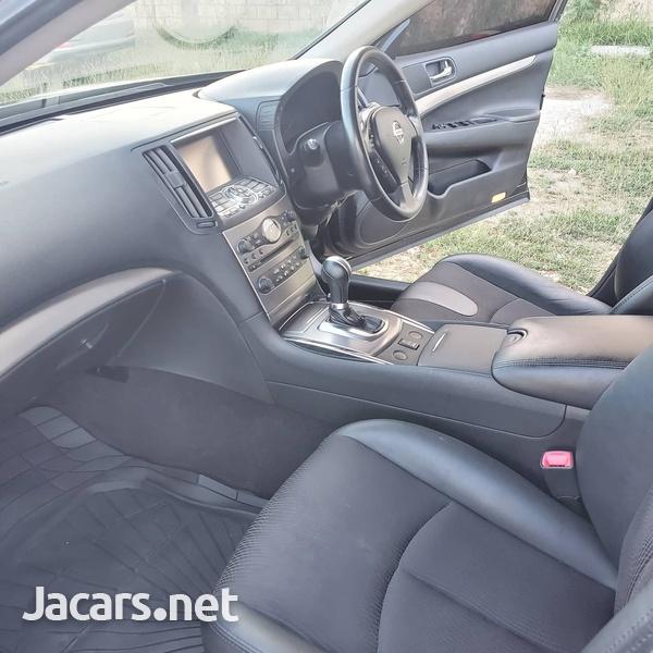 Nissan Skyline 2,5L 2013-6