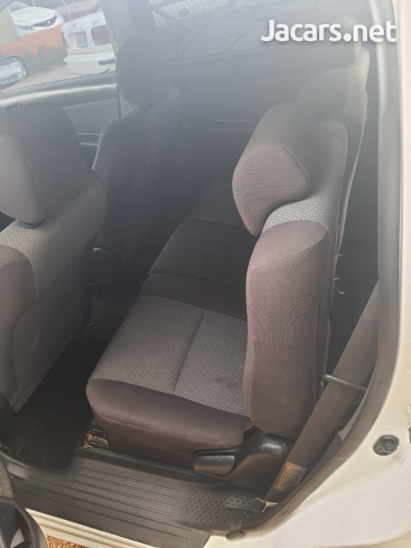 Toyota Wish 1,8L 2007-6