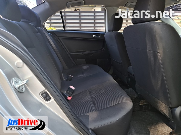 Mitsubishi Galant Fortis 1,7L 2013-8