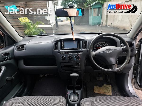 Toyota Probox 1,2L 2013-9