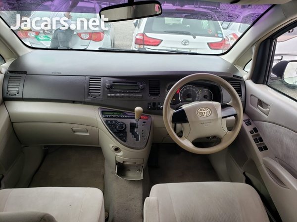 Toyota Isis 1,8L 2008-6