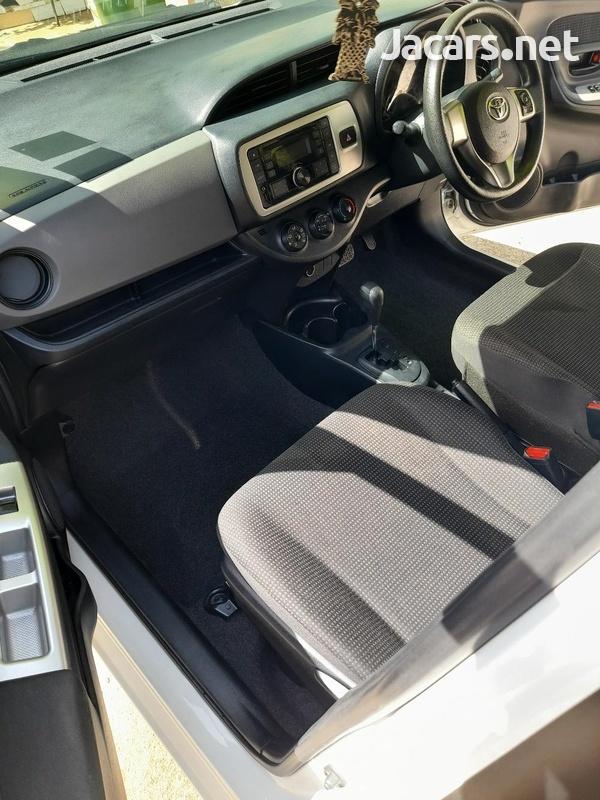 Toyota Vitz 1,5L 2015-12