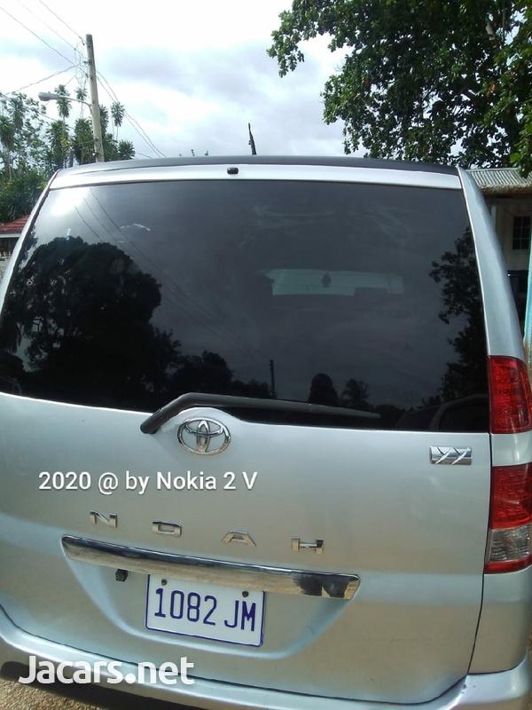 Toyota Noah 2,0L 2006-6