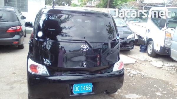 Toyota bB 1,5L 2014-5