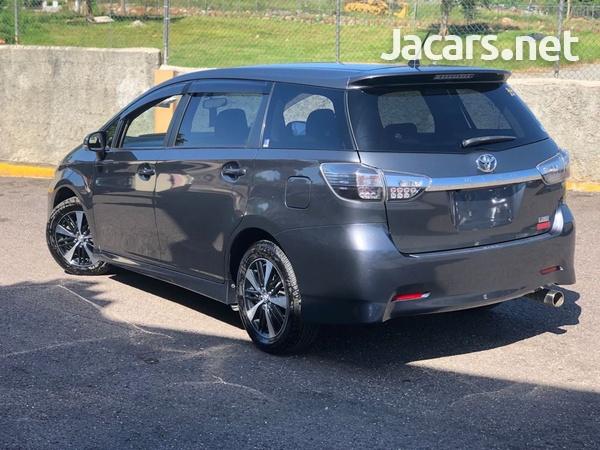 Toyota Wish 1,8L 2012-4