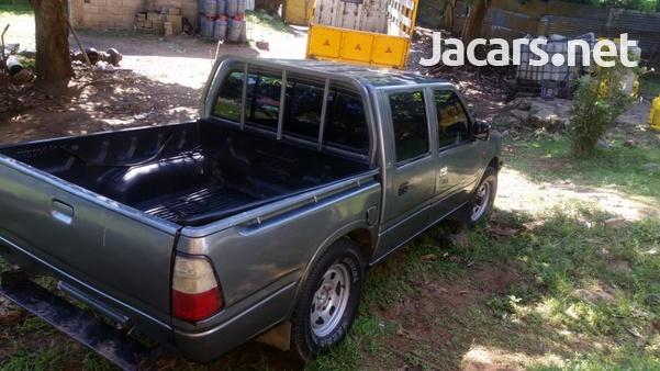 Isuzu Pick-up 2,0L 2000-6