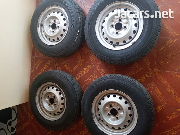 tyre and rim with lugs-3