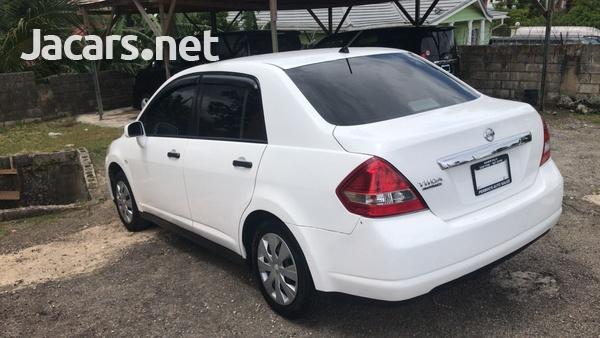 Nissan Tiida 1,8L 2009-5