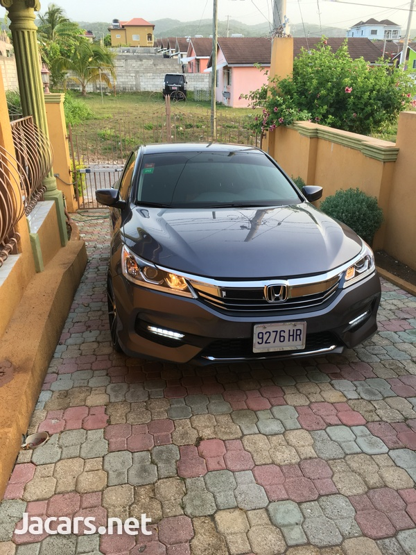 Honda Accord 2,4L 2016-3