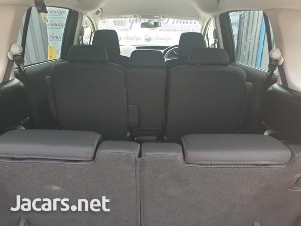 Mazda Premacy 1,5L 2013-5