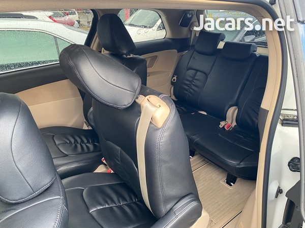 Toyota Estima 2,4L 2012-7