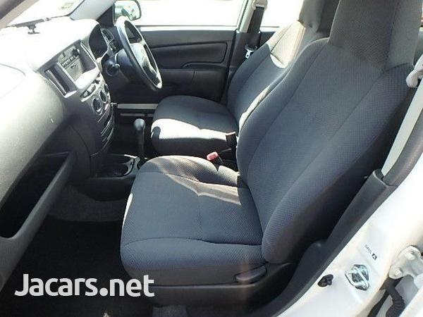 Toyota Probox 1,4L 2014-7