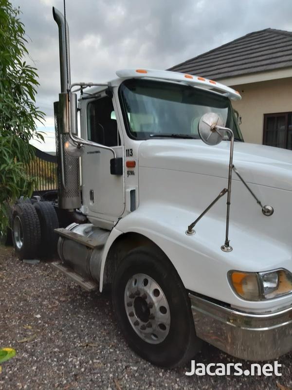 2005 International 9200i Truck-1