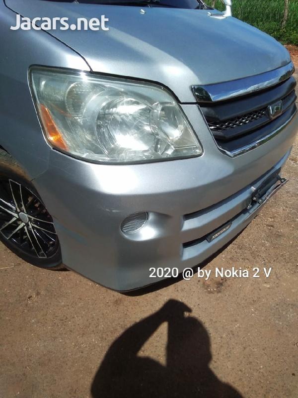 Toyota Noah 2,0L 2006-2