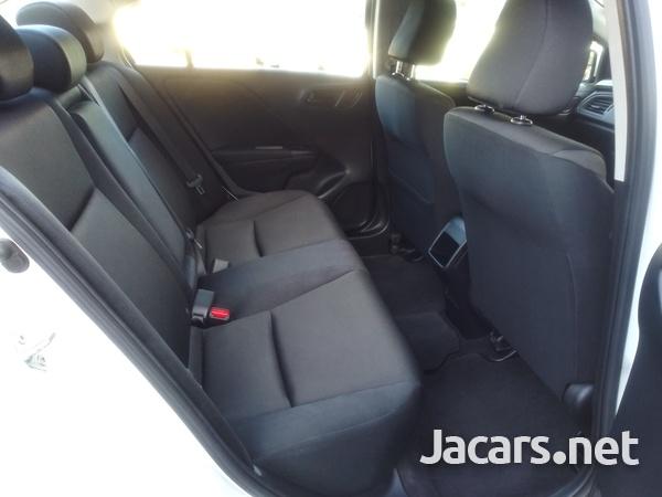 Honda Grace 1,5L 2017-7