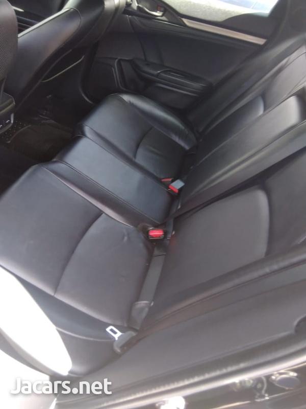 Honda Civic 2,0L 2019-7