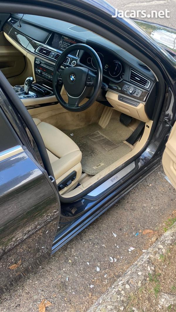 BMW 7-Series 3,0L 2015-7