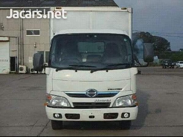 2011 Hino Truck-1