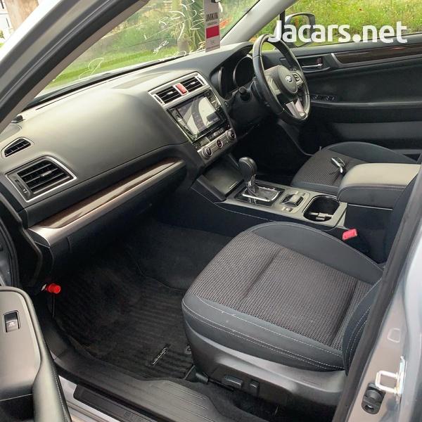 Subaru Legacy 2,5L 2015-9