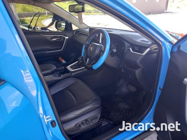 Toyota RAV4 2,0L 2020-12