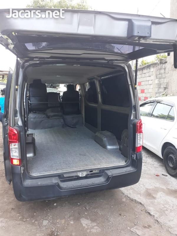 Nissan Caravan Panel Van 2,5L 2013-5