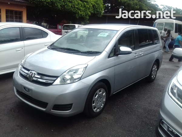 Toyota Isis 2,0L 2014-4
