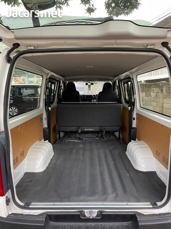 Toyota Hiace 2,0L 2016-8
