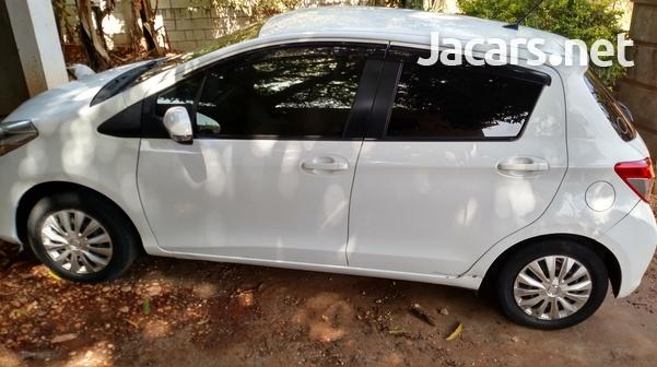 Toyota Vitz 1,0L 2012-5