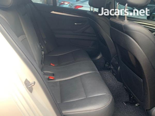 BMW 5-Series 2,0L 2015-6