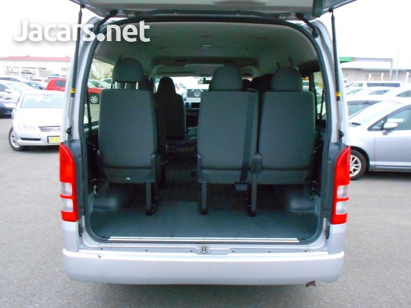 2016 Toyota Hiace Long DX 10 Seater-6
