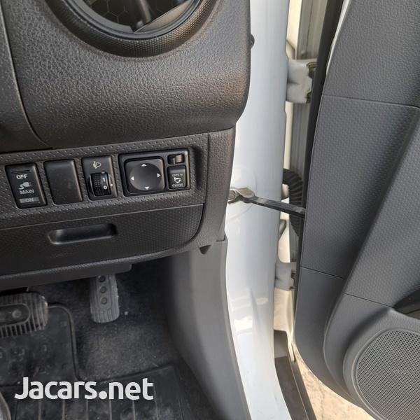 Mazda Familia 1,5L 2015-4
