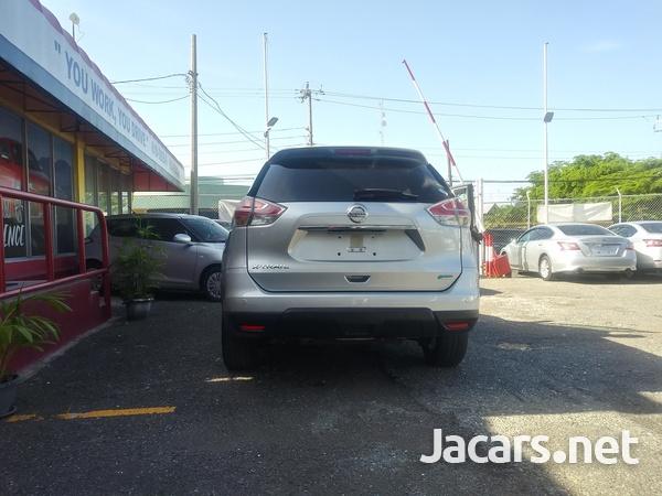 Nissan X-Trail 2,5L 2016-10