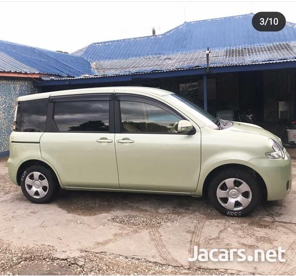 Toyota Sienta 1,5L 2013-5