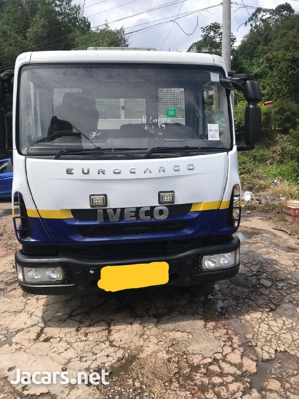 2009 Iveco Truck-1