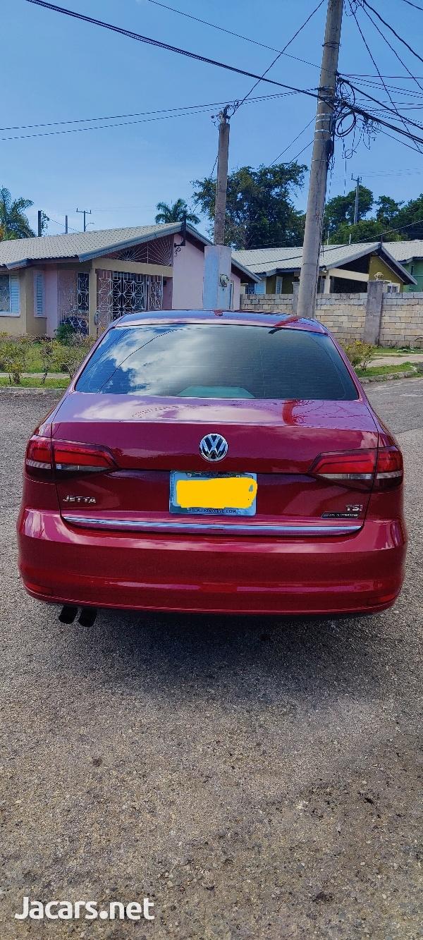 Volkswagen Jetta 1,4L 2018-4